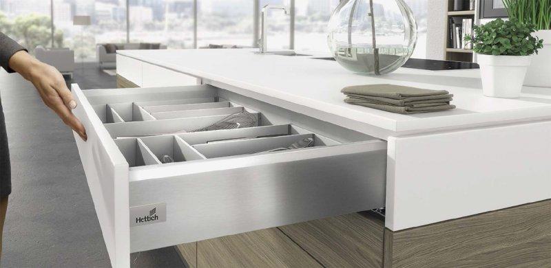 Rh incorpora de serie el sistema de cajones arcitech rh - Fabrica de cocinas en madrid ...
