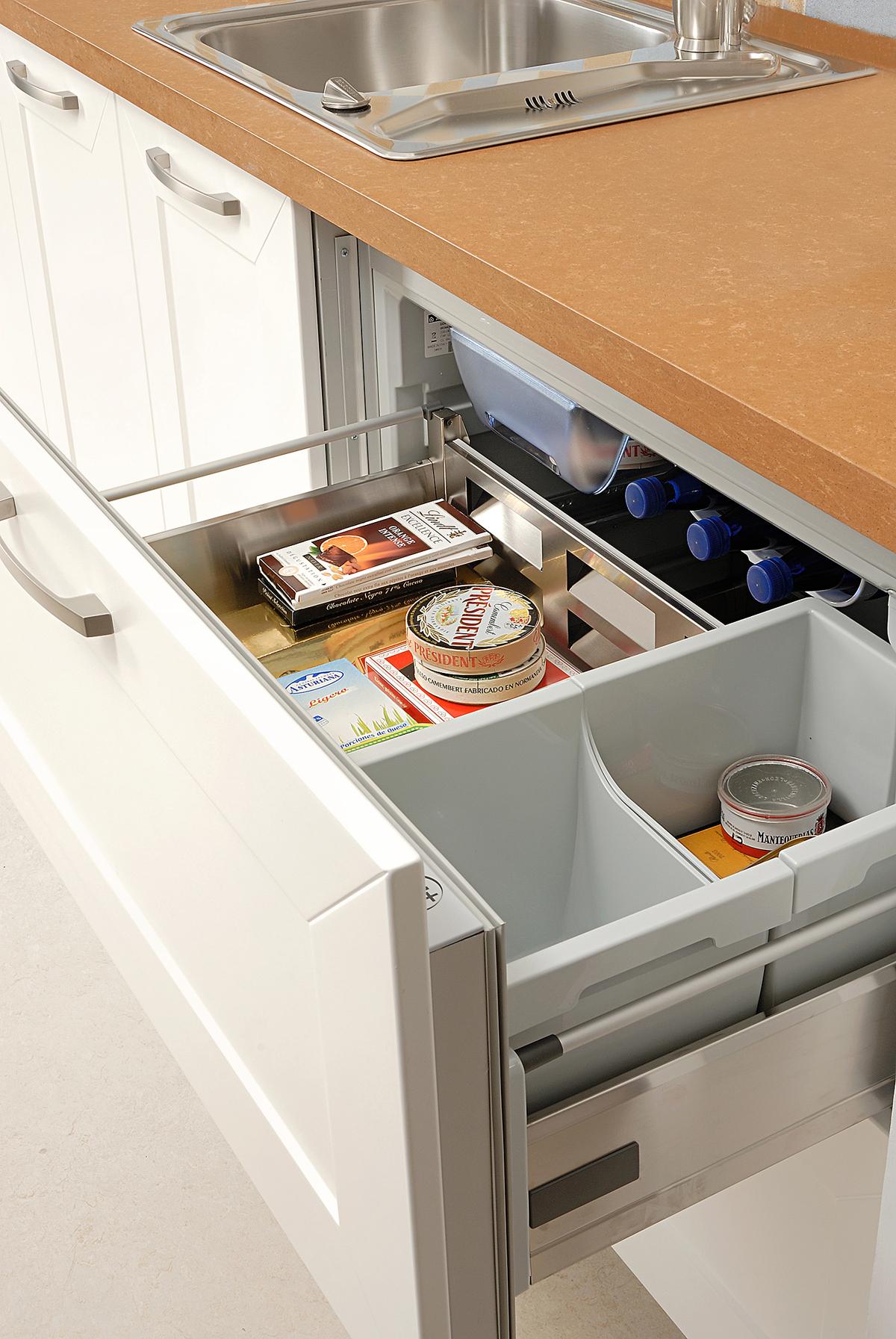 Tur n rh cocinas creativas f brica de cocinas en for Fabrica de cocinas integrales